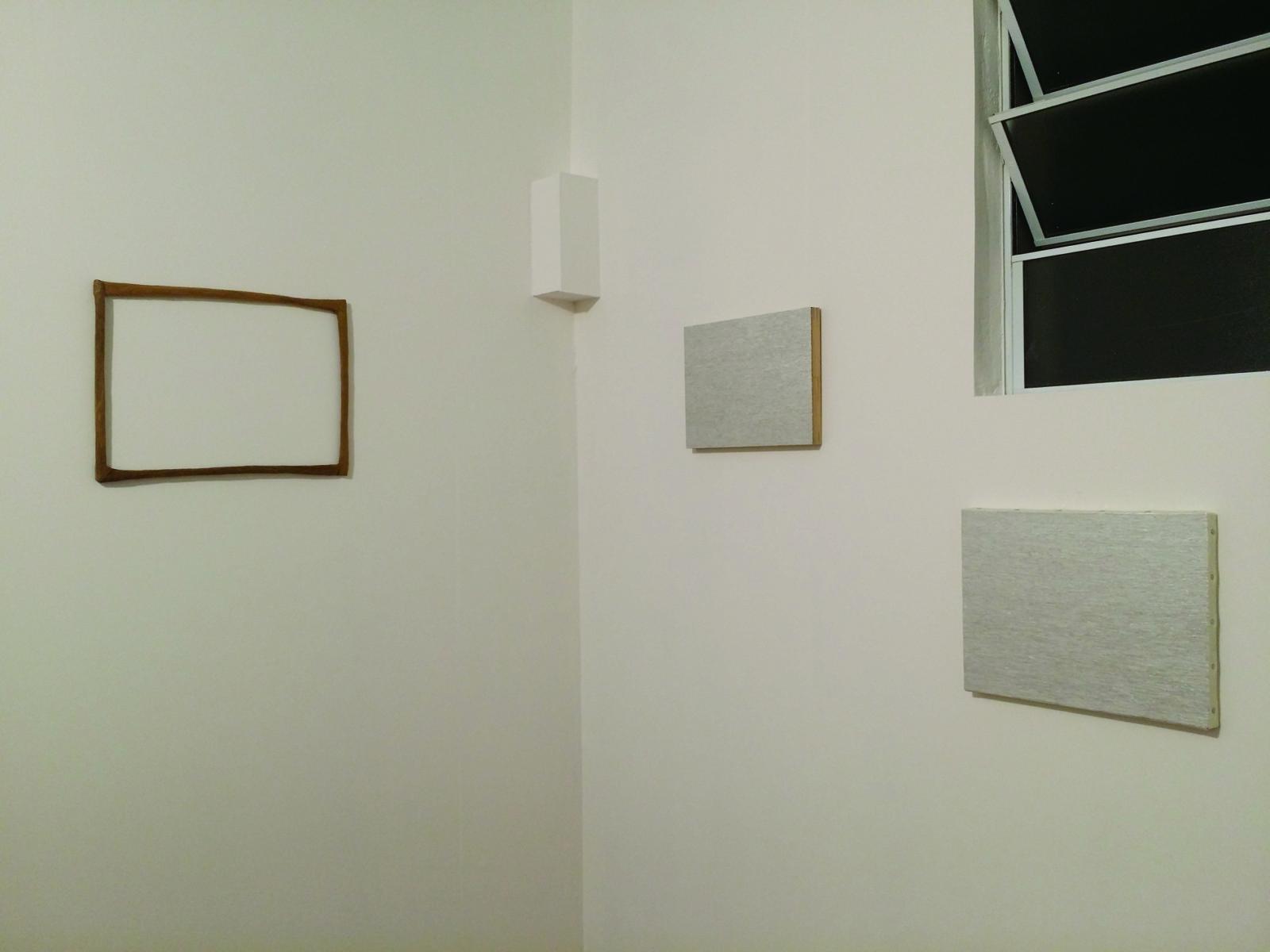 展示風景 2019  (左から《飾り》《図 −坂道−》《図 −こだま−》